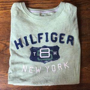 Tommy Hilfiger Shirts - Vintage Tommy Hilfiger T Shirt 🔥